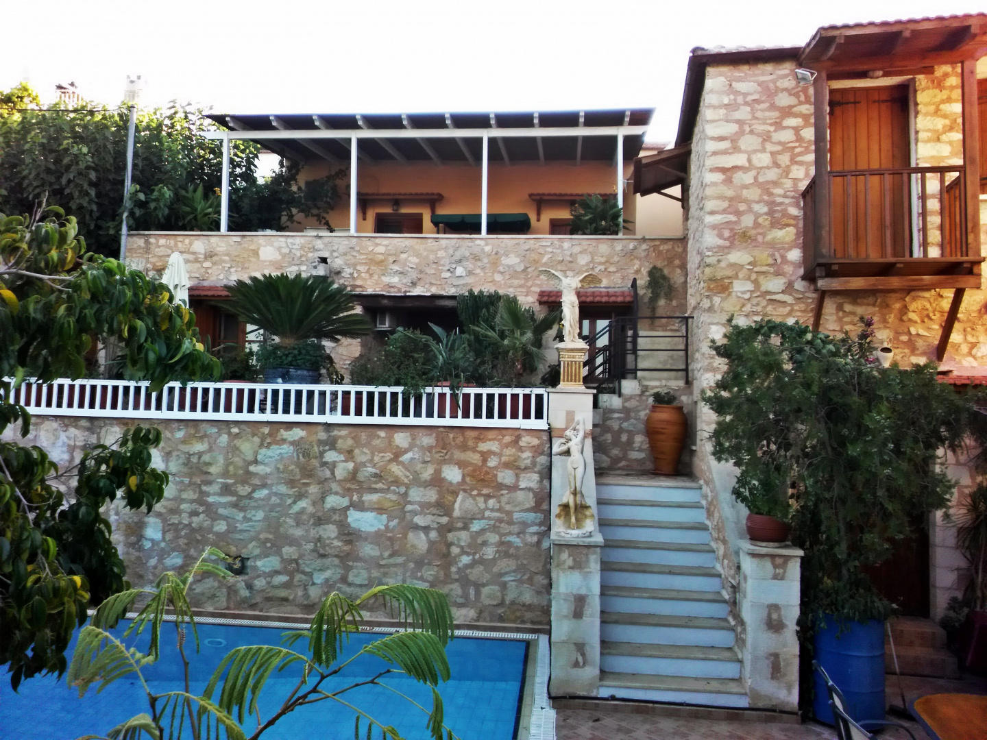 House and studio annexed - Ideal large families... Slide-1