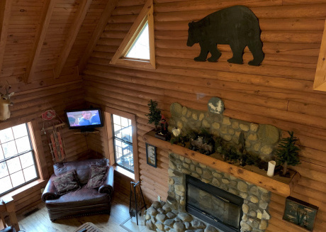 Bear Necessities Lodge near East Port Marina and Dale Hollow Lake Tennessee