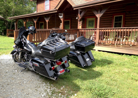 Hodge Podge Lodge bring 25 of your friends to East Port Marina on Dale Hollow Lake Tennessee