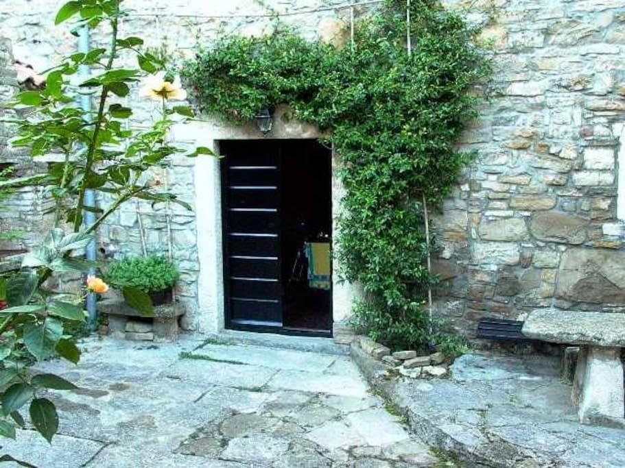 Stone house Heitzler - Groznjan Slide-3