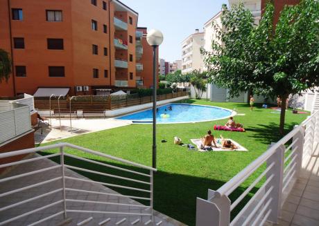 Mi Casa Fenals(2/4pax)-Wifi Free-Pool-Terrace