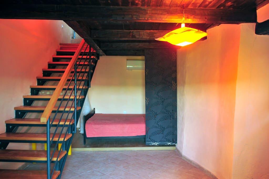 RUINE Gartenresidenz, Kleines Haus Slide-3