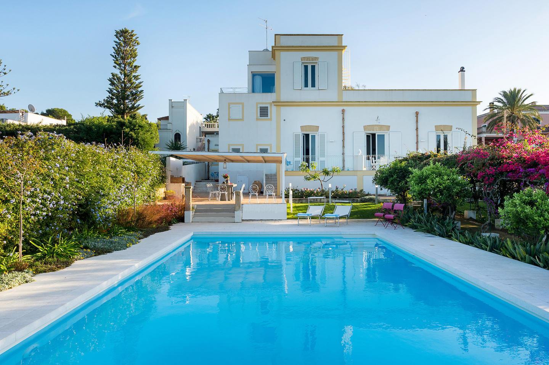 Villa Cecilia Slide-1
