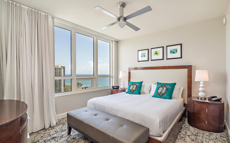 Ocean view 2 bedroom condo #911 Slide-3