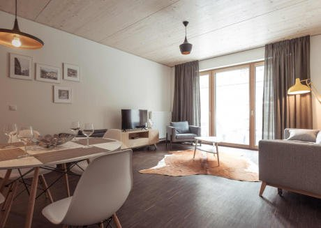 Spacious one bedroom apartment 003