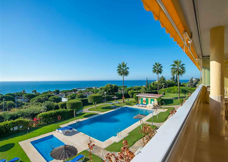 Las Mimosas, Luxury 3BR Apartment in 7 Min Walk to Cabopino Beach