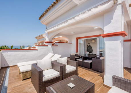 Marbella Playa -Lux. Beachfront Penthouse, Stunning Sea Views