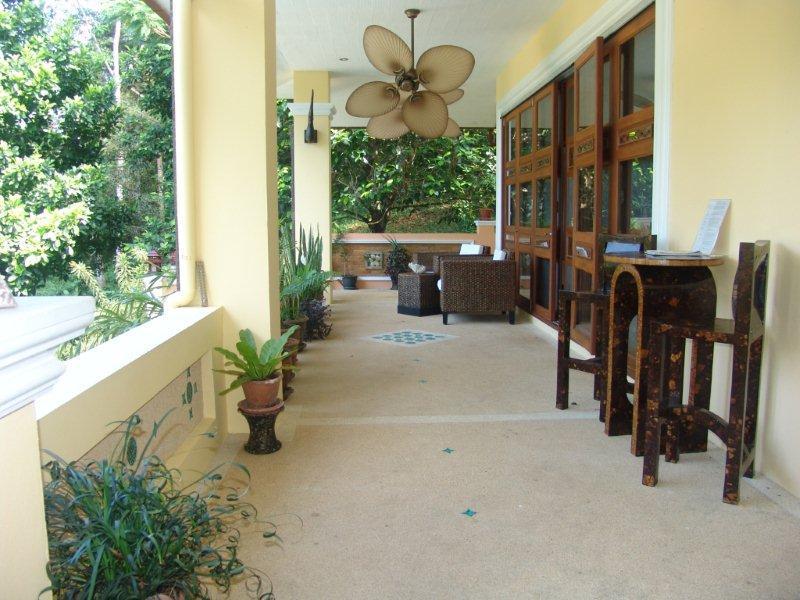 villa sawadee with swiming pool in tropical garden Slide-2