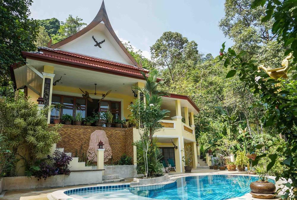 villa sawadee with swiming pool in tropical garden Slide-24