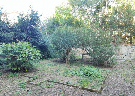 Lambruschini Apartment With Private Garden