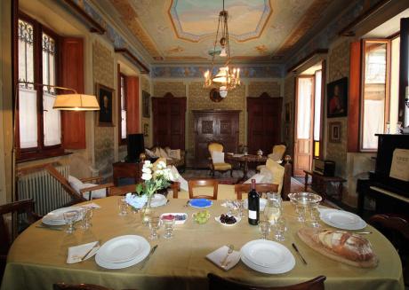 La Dimora dei Ciliegi, a charming residence overlooking Lake Maggiore