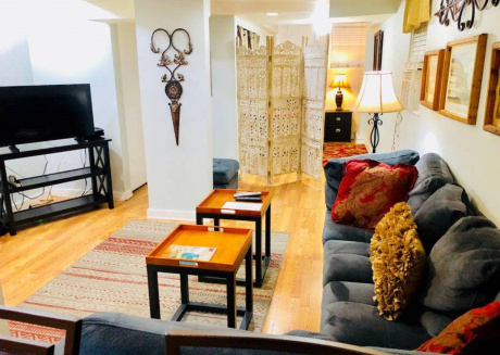 Cozy 1BDR in Wrigleyville - Walk to Cubs & Train!