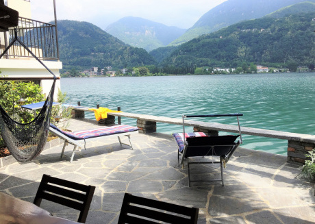 Direct on Lugano Lake: Take a Swim from your Villa