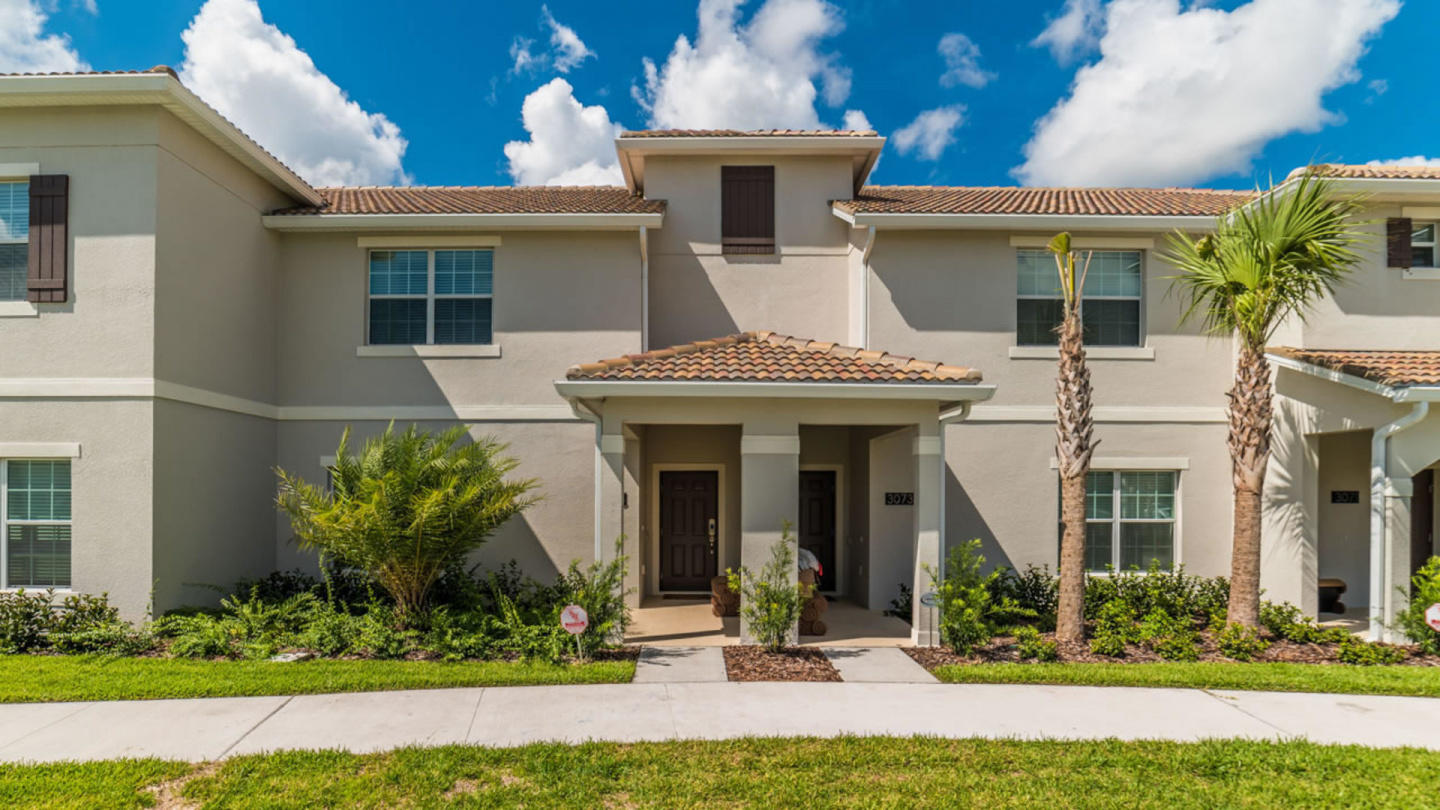 Rent Your Dream Holiday in One of Orlando's mos... Slide-1
