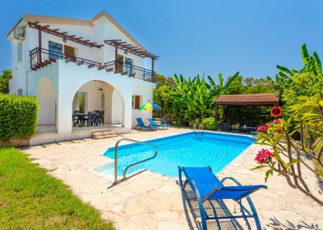 Sun Beach Villa Thio