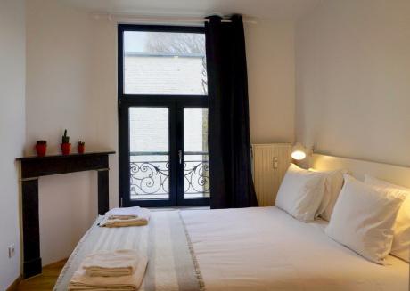 Unit 9 - Vibrant Room near Avenue Louise Best Location