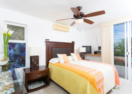 Casa Areca - Home with shared pool, close to beach. 2BR + DEN