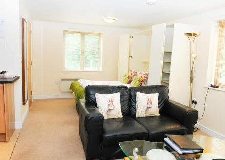 Cotham Lawn Studio Apartment