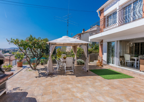 OP HomeHolidaysRentals Delphi - Costa Barcelona