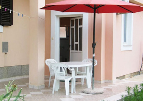 Ferienwohnung 821-2 für 4 Pers. in Privlaka