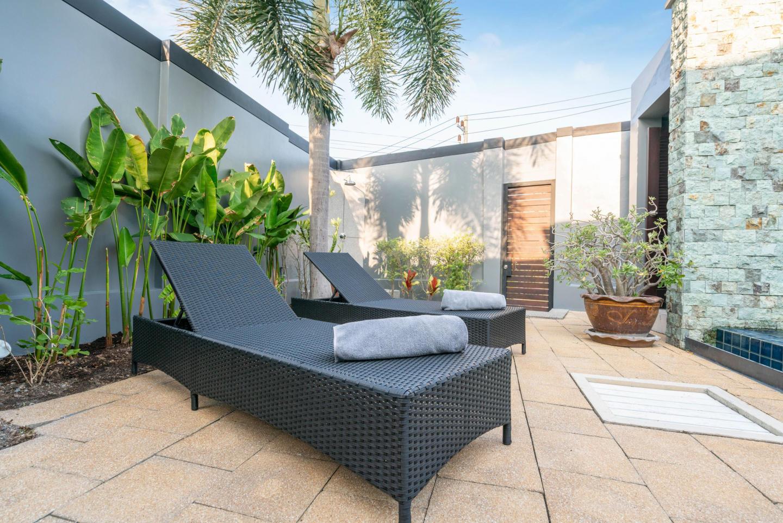 Onyx Lite 2 bedrooms villa with pool Slide-5