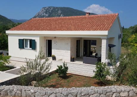 Ferienhaus 4542-1 für 1+5 Pers. in Ston / Mali Sto