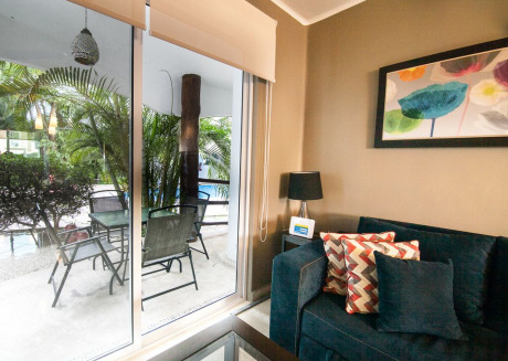 Beautiful 2 bedroom apartment next to a pool on the ground floor