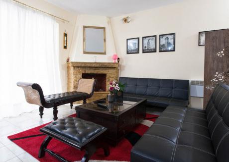 Maria S Home , Sweet Home In Keratsini Piraeus Greece