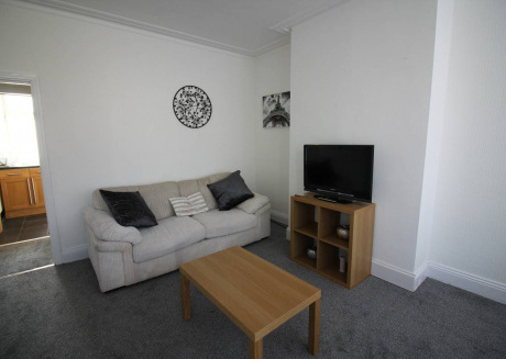 Lovely 2 Bed House with office space, Leeds