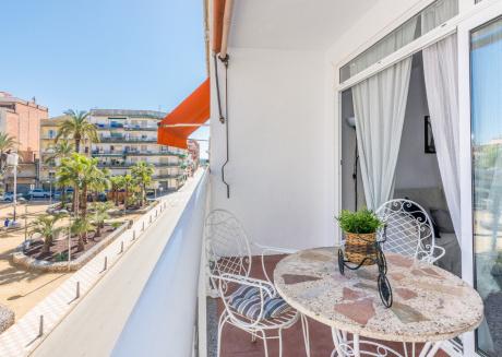 OP HomeHolidaysRentals Illes - Costa Barcelona