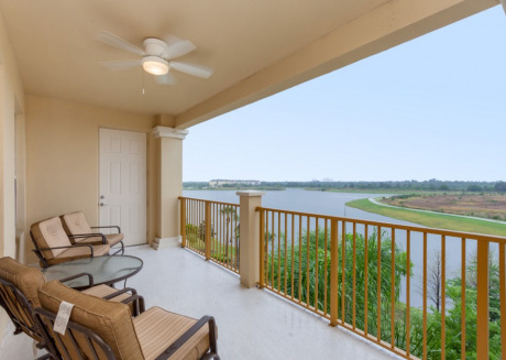 Relaxing 3 BR on Vista Cay W/ Balcony
