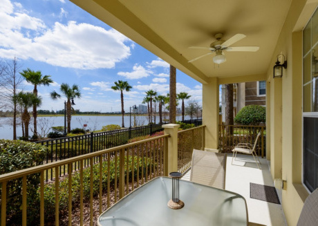 Charming 4 BR on Vista Cay W/ Balcony