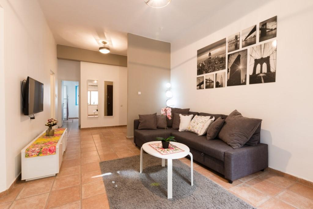 Special 2 BR in the city center Slide-2