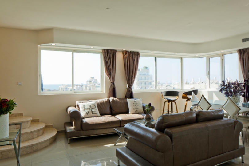 Magnificent 2 BR in the Old North Slide-5