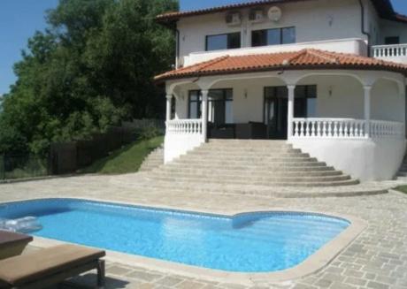 Villa Kalimantsi