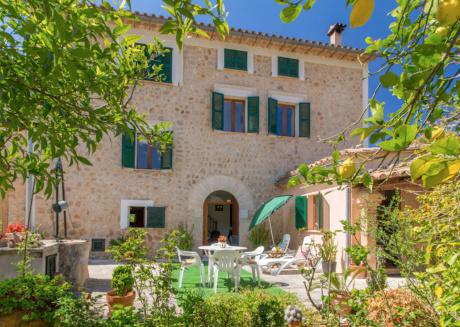 VILLA ALFABIA SOLLER by Priority Villas