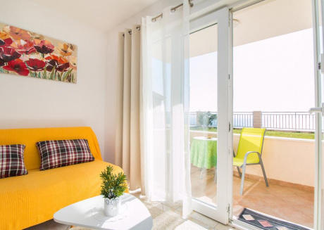 One-Bedroom Apartment with Private Garden