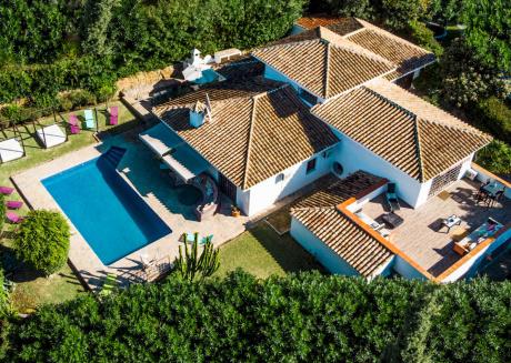 Gardenia - Luxury 10BR Villa in Marbella, Heated Pool with Sea Views, BBQ, Wifi