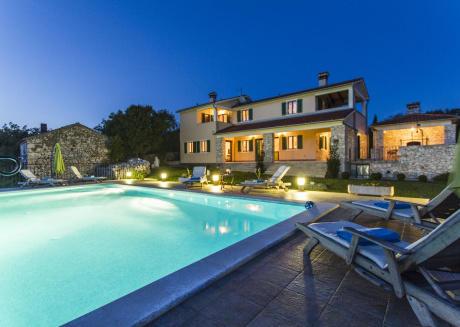 Beautiful Villa Albina with sea view