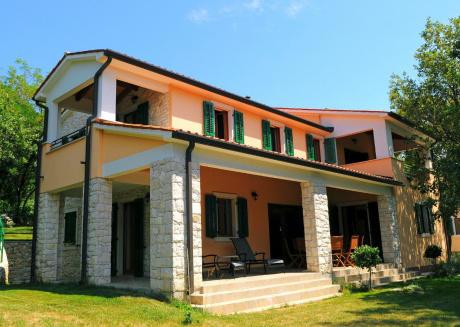 Villa Ana with two shared pools in vilagge Vlakovo