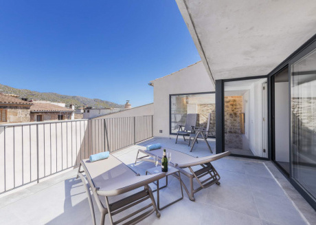 BEAUTIFUL TOWNHOUSE OASIS IN THE HEART OF POLLENSA