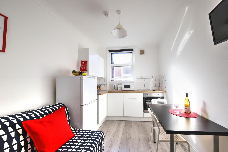 ME2 1 Bedroom Apartment Slide-3
