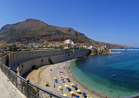 Gialla Mare comfortable apartment in the center of castellammare del golfo
