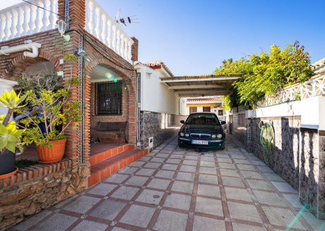 El Oasis - 3BR Chalet in 2 mins to the Beach in La Cala, Private Pool, Wifi
