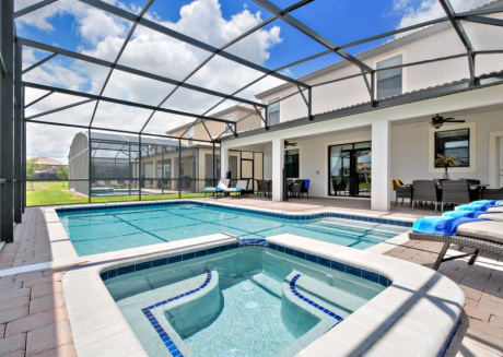 HUGE 8-Bed Pool Home at Champions Gate Resort