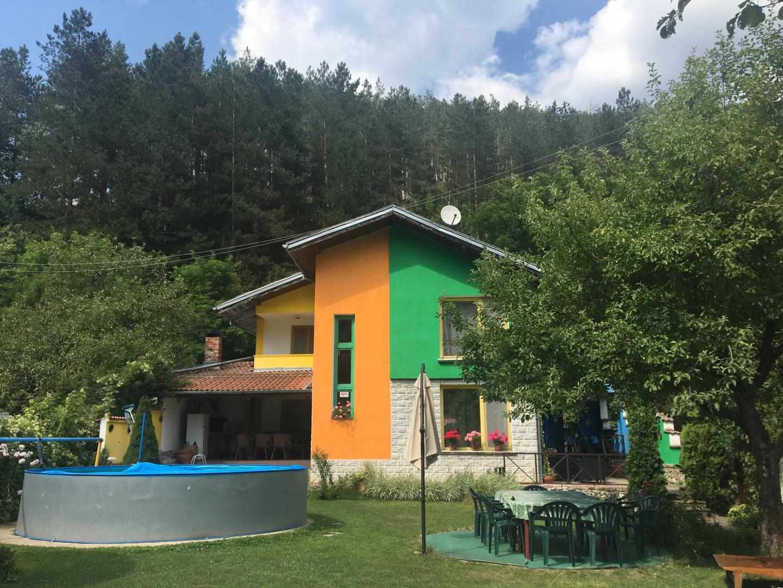 Guest House Villa Colour Slide-1