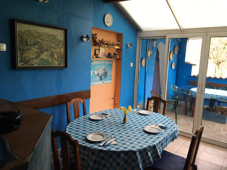 Guest House Villa Colour Slide-2