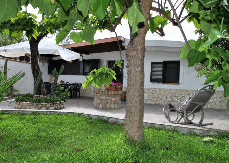 Holiday house for 4 persons near the beach