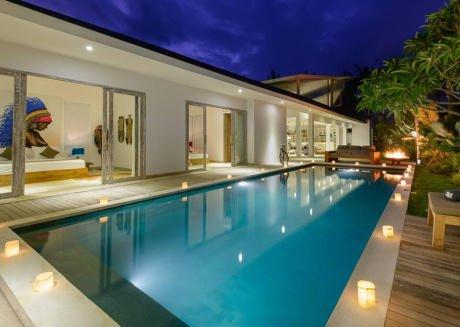 Artistic & Modern Villa next to Canggu beach
