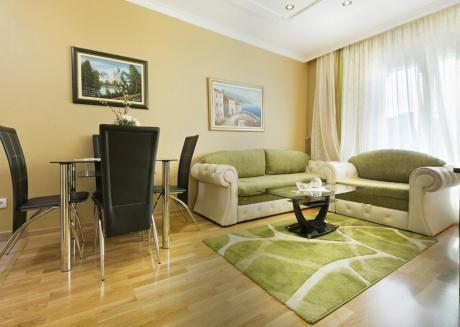 Apartment S10